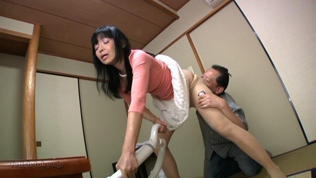 幼い女の子を二人同時にめちゃくちゃに犯す!!